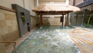 華の湯ヒブランの露天風呂